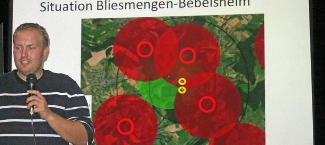 """Bilder der 4. MontagsDEMO  """"Der Rotmilan im Spannungsfeld der Windenergie"""" 13. Oktober 2014"""